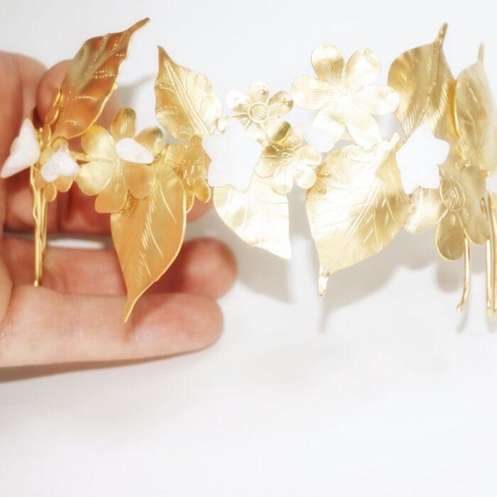 adorno pelo para novia, copn hojas y dorado
